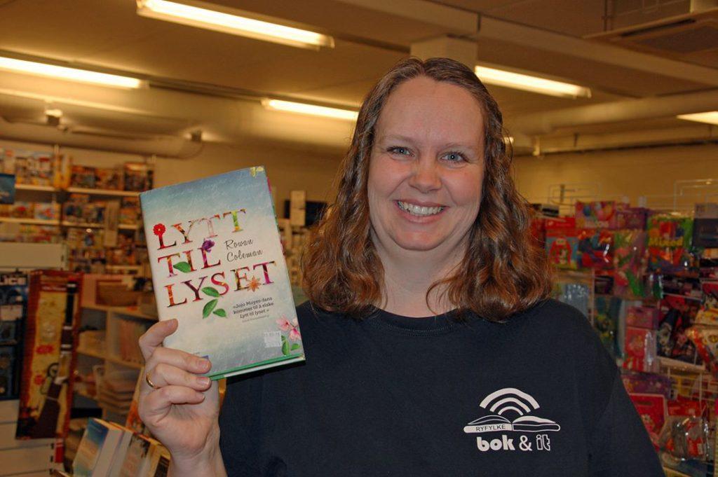 Irene Natland anbefaler boka Lytt til lyset